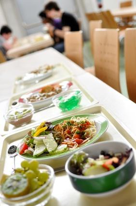 Mensa-Essen muss nicht minderwertig sein. Unter marktwirtschaftlichen Bedingungen ist es das in der Regel leider doch.
